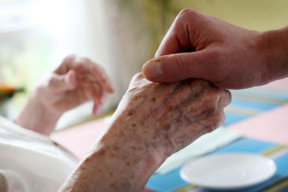 In einem Pflegeheim in Niederösterreich sollen Patienten auf grausame Art gequält worden sein. (Symbolbild)
