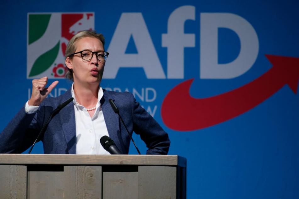 Die AfD-Bundesvorsitzende Alice Weidel (40) spricht beim Landesparteitag in NRW.