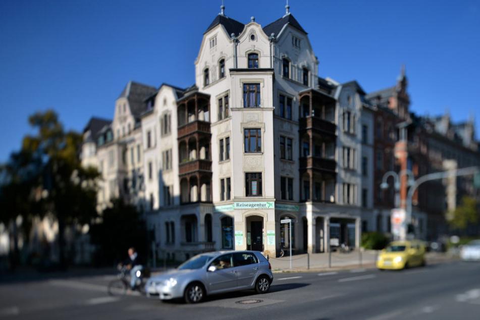 An der Kreuzung Weststraße / Barbarossastraße wurde ein Mädchen von einem PKW erfasst.