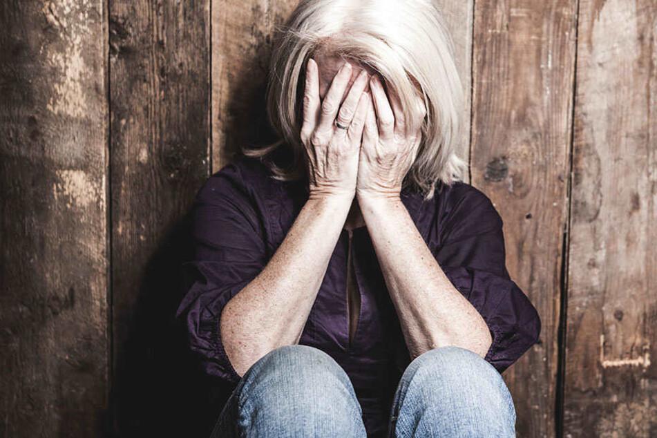 Nach der sexuellen Belästigung kommt das Opfer einfach nicht zur Ruhe.