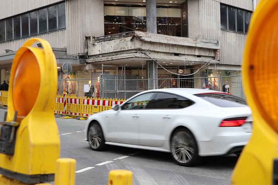 Die Baustelle am Königsplatz wird noch sehr lange andauern.