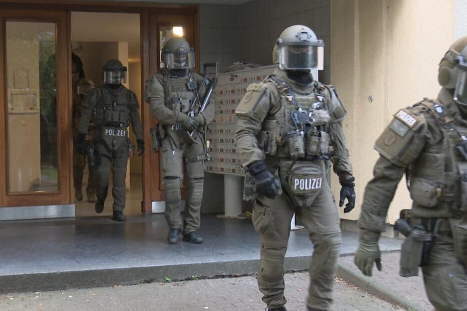 Das SEK stürmte das Wohnhaus in Billstedt.