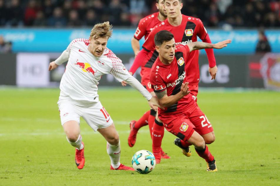 Trotz Überzahl musste sich RB Leipzig in Leverkusen mit einem 2:2-Unentschieden begnügen.