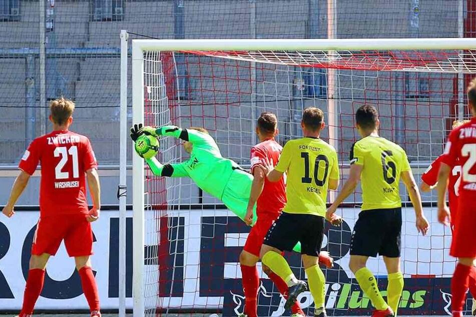 Zu Null gegen Fortuna Köln. Endlich durfte Lukas Cichos beim FSV Zwickau mal Eigenwerbung betreiben.