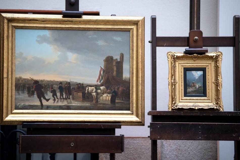 Diese Bilder gehören zu Kunstwerken, die im November 1938 von der Gestapo beschlagnahmt worden waren.
