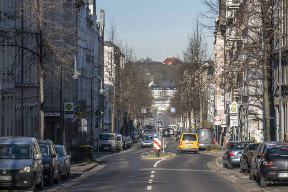 Tatort Zietenstraße: Hier sollen Räuber einen Chemnitzer (22) bewusstlos geschlagen haben.
