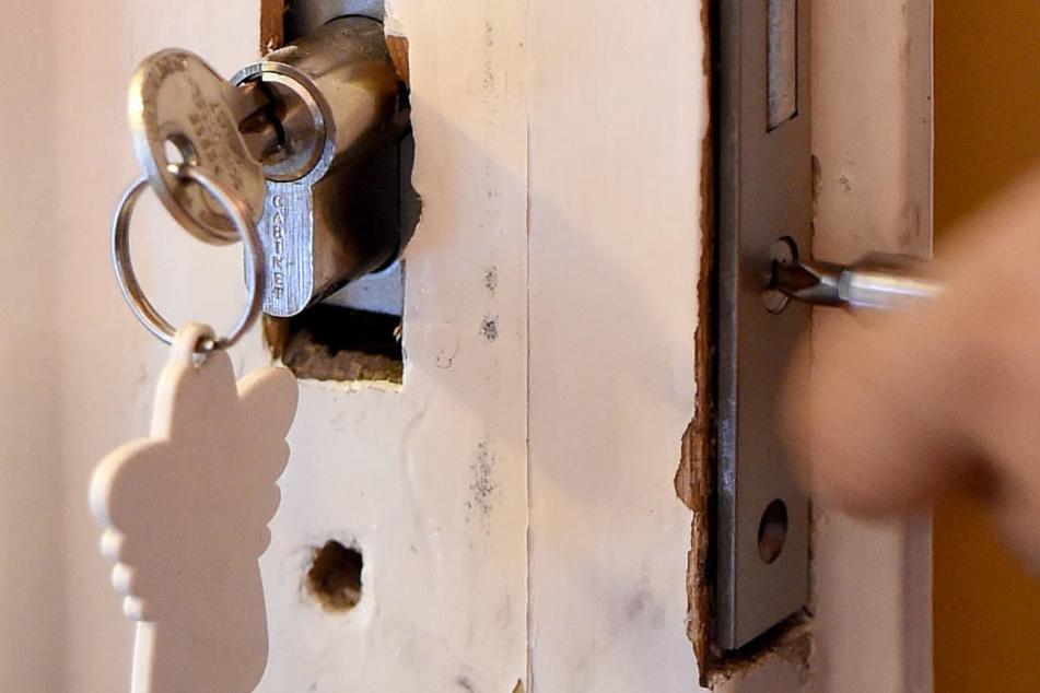 krimineller schl sseldienst rekord rechnung betrug 3167. Black Bedroom Furniture Sets. Home Design Ideas