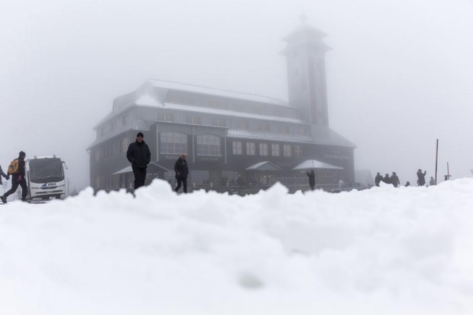 Auf dem Fichtelberg gab es bereits richtig viel Schnee.
