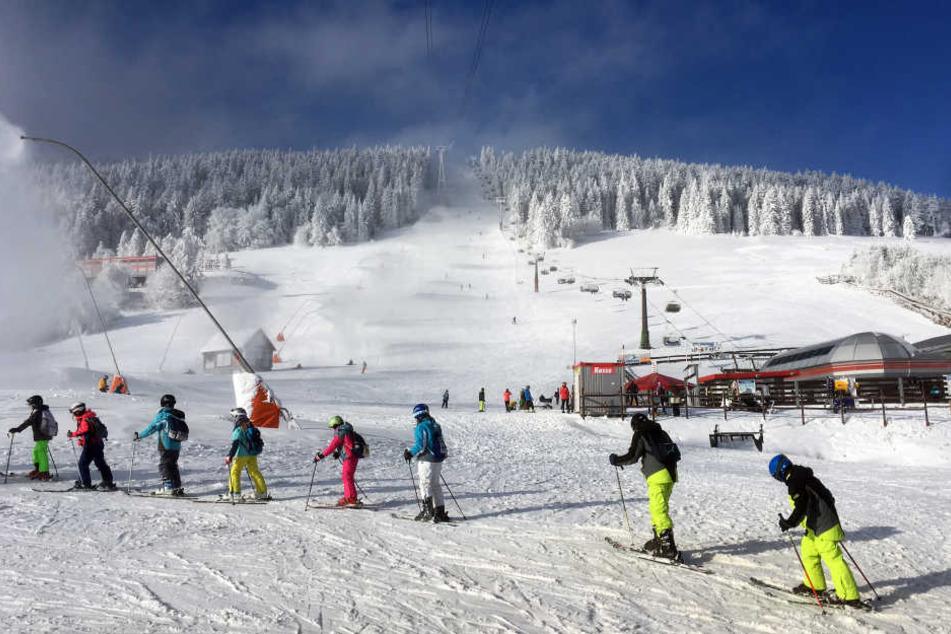 Der Fichtelberg ist bei Wintersportlern beliebt, die Hotels können sich in den Ferien über eine gute Auslastung freuen.