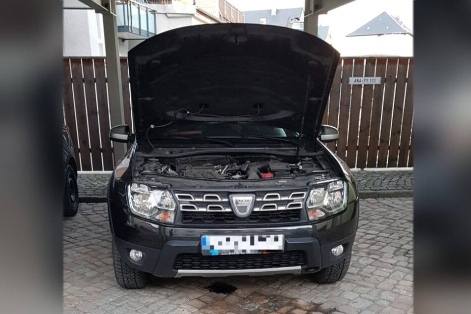 Am Annaberger Markt wurde ein Dacia beschlossen. Neben dem Fahrzeug fanden die Polizisten Patronenhülsen.