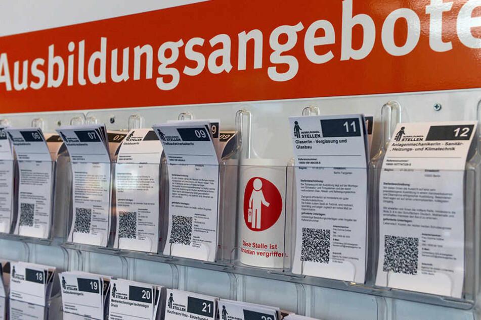 In NRW gibt es knapp 20.000 weniger Ausbildungsplätze als Suchende. (Symbolbild)