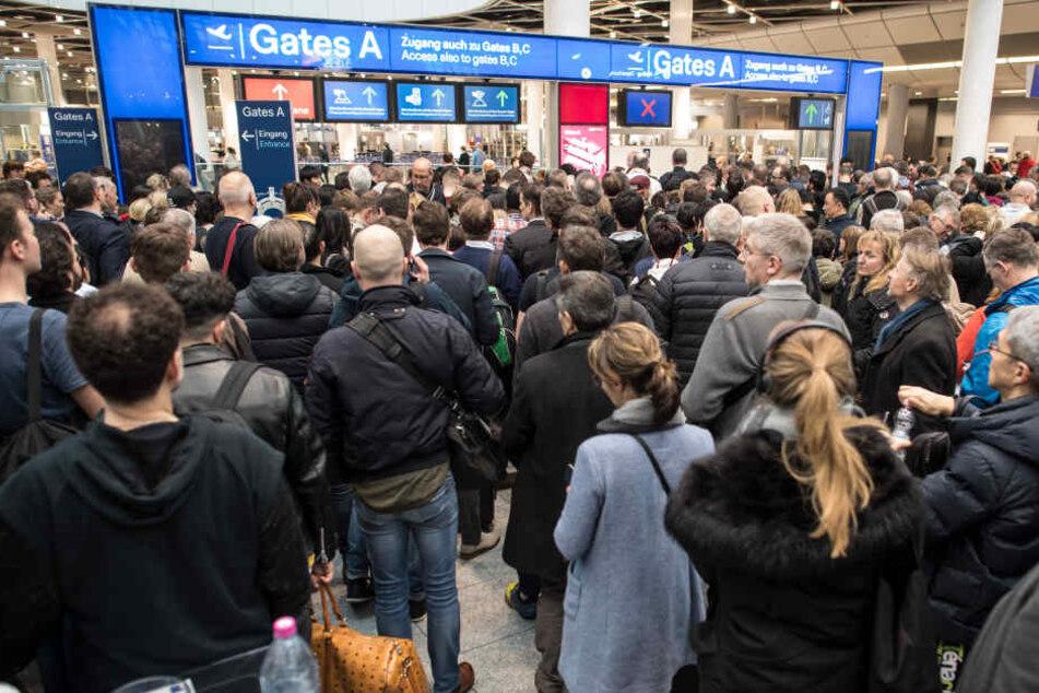 Am Flughafen Düsseldorf wird es während der Osterferien voll werden.