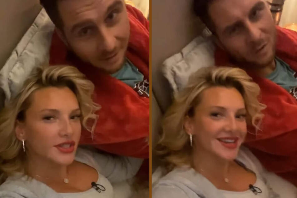 Evelyn Burdecki (32) und Maurice Gajda (37) kuscheln zusammen im Bett.