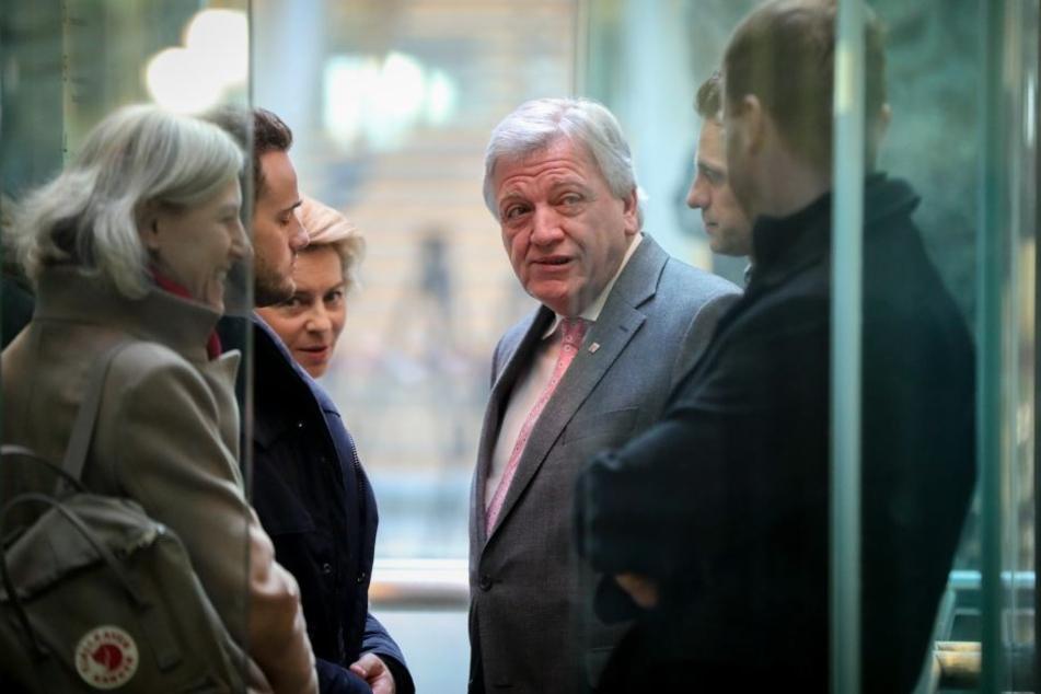 """Die Vereinbarungen nach den GroKo-Verhandlungen waren laut Bouffier ein """"beinhartes Ringen""""."""
