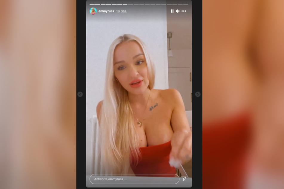 """Emmy Russ (21) suchte schon bei """"Promi Big Brother"""" Körperkontakt zu Udo."""