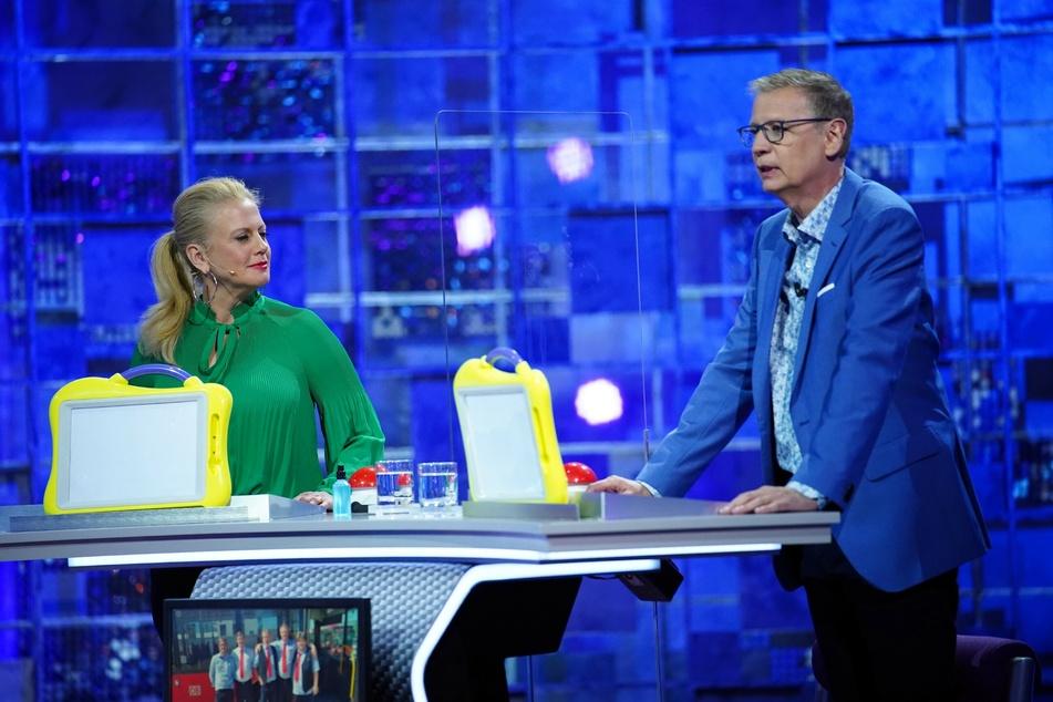Günther Jauchs (63) Hose rutschte am Samstagabend in einer Fernsehshow.