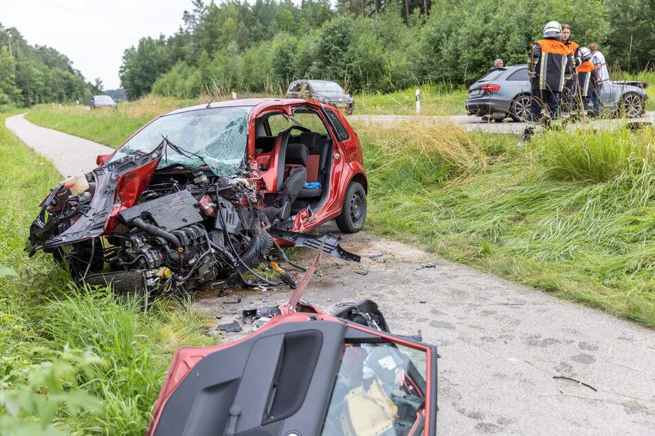 Audi kommt auf Gegenspur: Frau (†62) stirbt bei Frontal-Crash