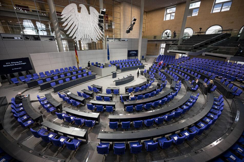 Liveticker zur Bundestagswahl 2021: Beteiligung in Wahllokalen zunächst geringer