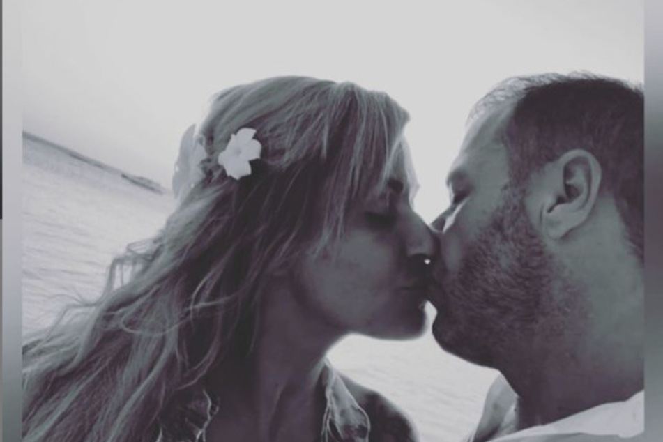 Trotz der Trennung im März, wurde Jasmin Herren (42) nie müde zu betonen, dass sie ihren Ehemann noch immer lieben würde. Das Paar war seit 2018 verheiratet.