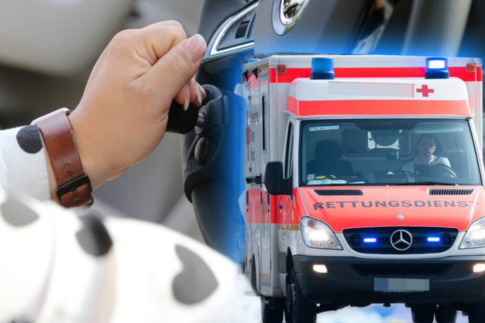 Beim Abbiegen übersehen: Kia-Fahrerin kracht in VW, schwer verletzt