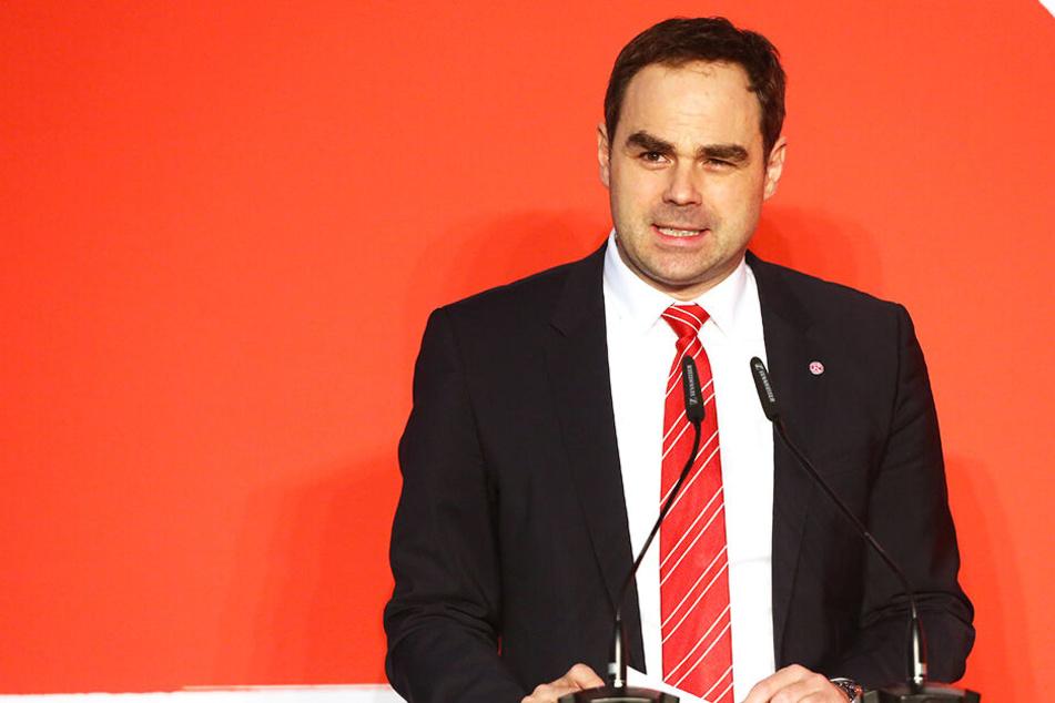 Fortuna Düsseldorf trennt sich von Vorstandschef Robert Schäfer, weil es kein Vertrauensverhältnis geben soll.
