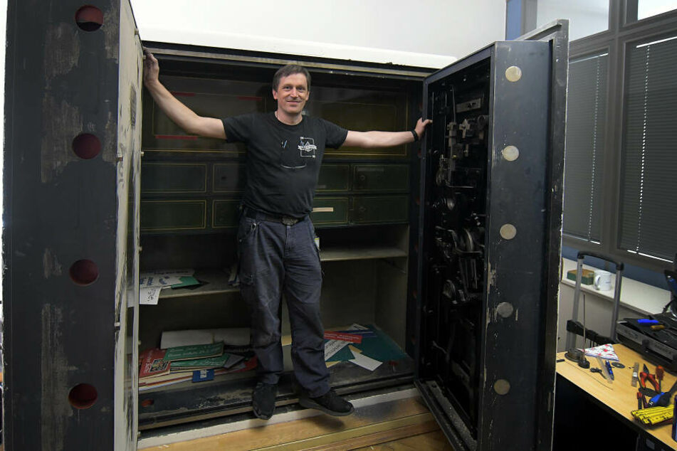 Oliver Diederichsen (49), von Beruf Panzerknacker: Er schaffte es, den Riesen-Tresor zu öffnen.