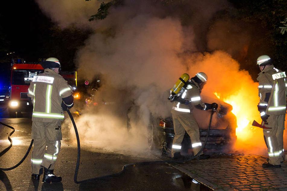 In der Nacht zu Dienstag brannten in Berlin gleich mehrere Autos. (Symbolbild)