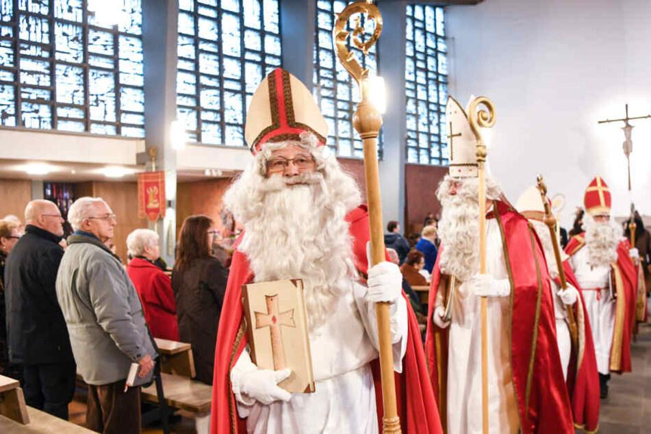 Die Gilde besucht Kindergärten, Vereine, Krankenhäuser und private Familien und will alte Bräuche rund um den Nikolaus erhalten. (Archivbild)