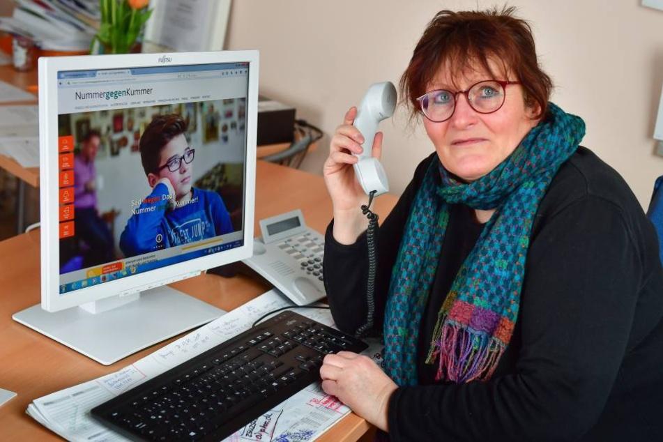 Kerstin Graff (58) ist zuständig für die Kummernummer. Sie sucht Verstärkung, um kleinen Chemnitzern bei ihren Problemen zu helfen.
