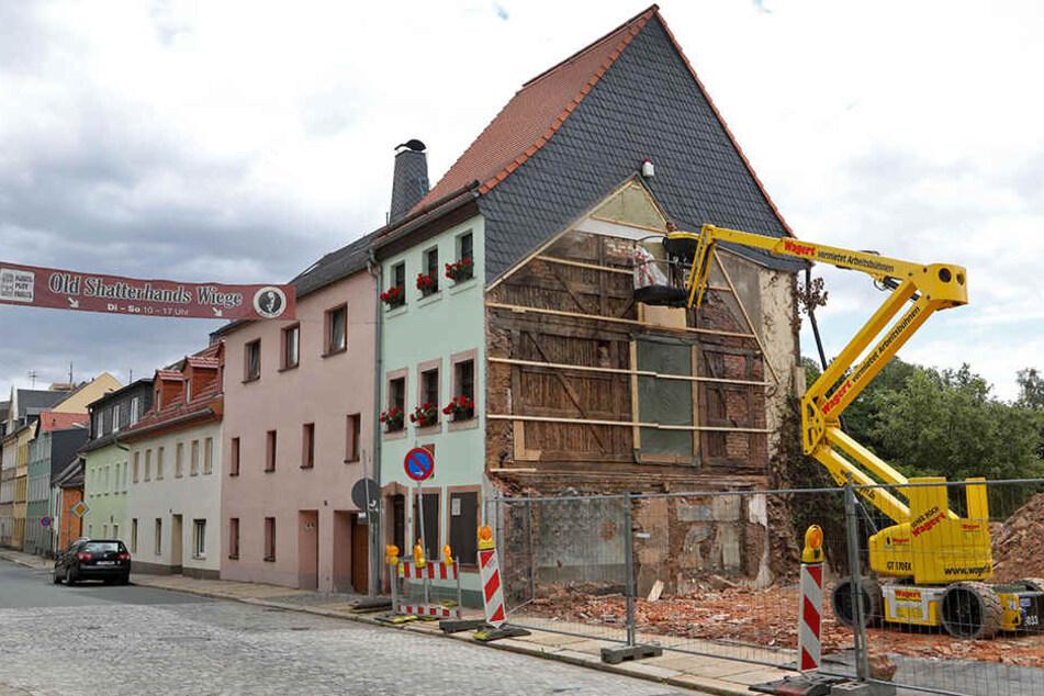 Umstritten: Die beiden Nachbargebäude neben dem Geburtshaus von Karl May sind abgerissen.