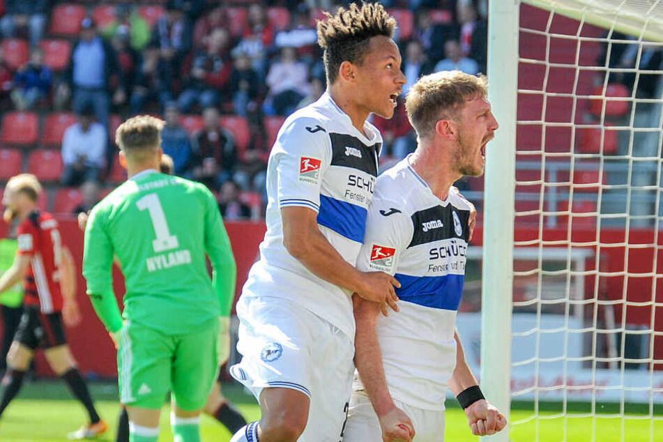 Fabian Klos (r.) traf in Ingolstadt zum zwischenzeitlichen 1:1-Ausgleich.