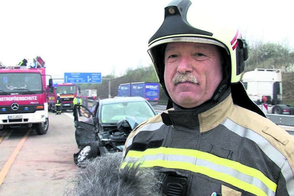 Stadtwehrleiter Falk Arnhold (52) von der Freiwilligen Feuerwehr Wilsdruff ist ständig mit seinen Kameraden auf der A4 im Einsatz.