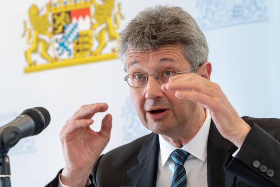 Michael Piazolo (Freie Wähler) fungiert als Staatsminister für Unterricht und Kultus.