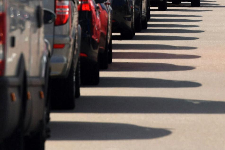 In Richtung Deggendorf stand der Verkehr auf 10 Kilometern still. (Symbolbild)