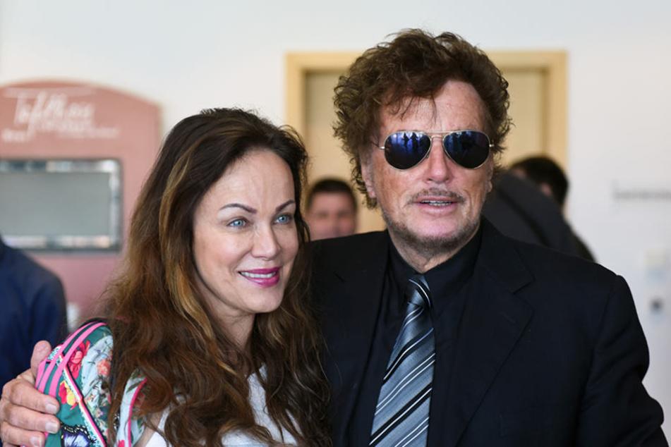 Schauspielerin Sonja Kirchberger (l) und Intendant und Regisseur Dieter Wedel.