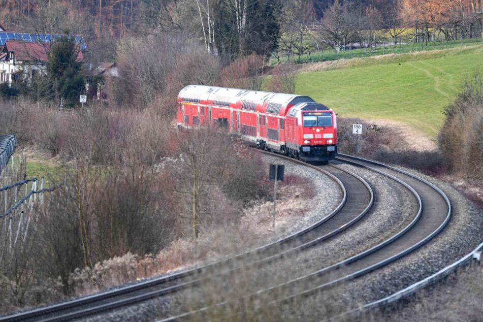 Viele Eisenbahnstrecken in Bayern sind noch nicht elektrifiziert.