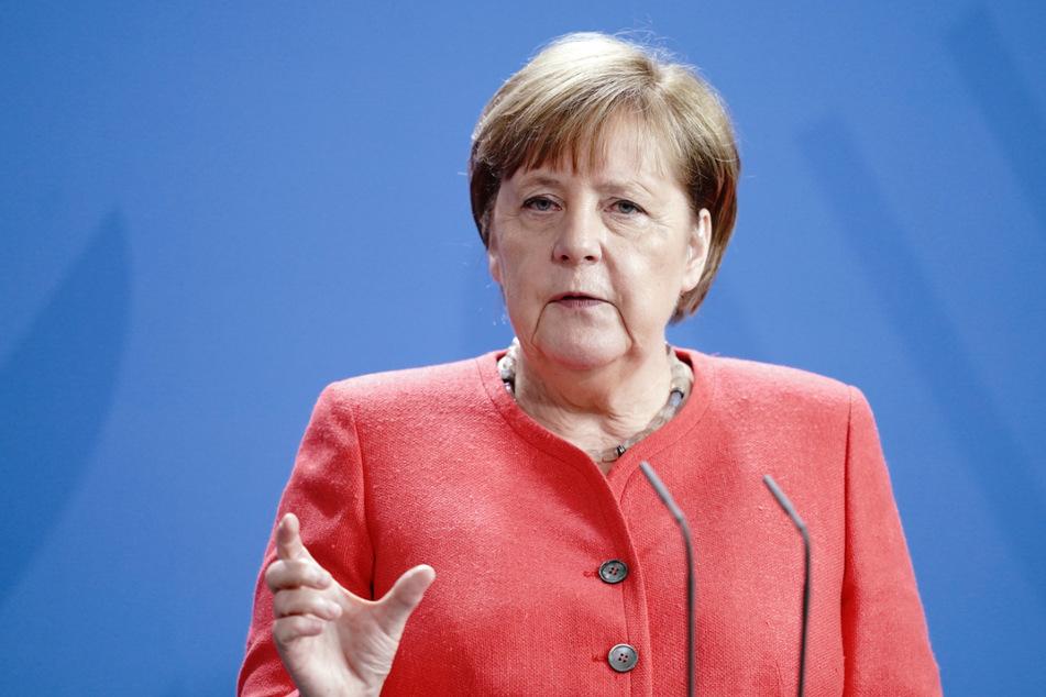 Von Kanzlerin Angela Merkel (66) hatte sich Eisenmann distanziert.