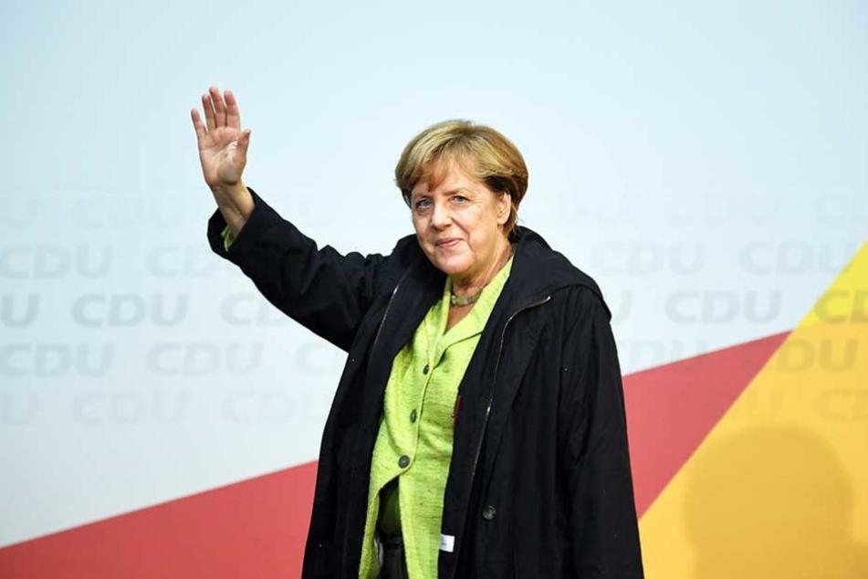 Merkel gibt sich trotz der vielen Proteste gelassen.
