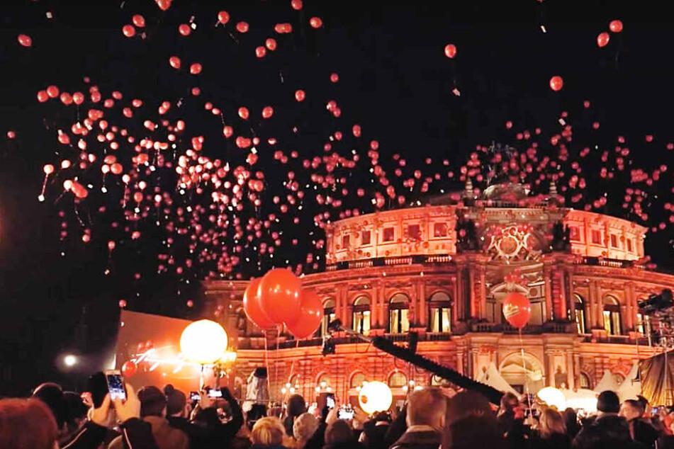 Tausende Luftballons stiegen gleichzeitig in den Dresdner Himmel.