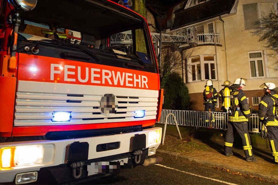 Das Feuer brach am Donnerstagabend in Wiesbaden-Sonnenberg aus.