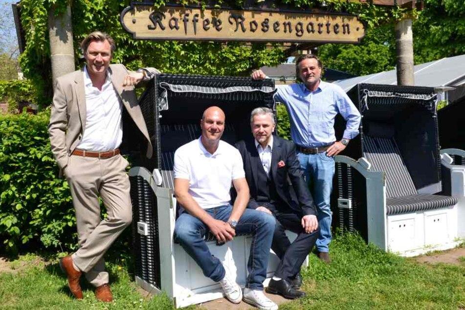 Die alten Betreiber Oliver Maliske (50) und Berthold Kalisch (49, r.) holten  sich Eventprofi Mirco Meinel (45, l.) und seinen Projektmanager Markus Pexa  (2.v.r.) mit ins Boot.