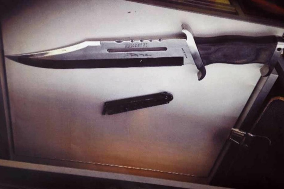Mit einem Messer hat ein Unbekannter einen 23-Jährigen in Neuffen attackiert. Die Polizei sucht Zeugen. (Symbolfoto)