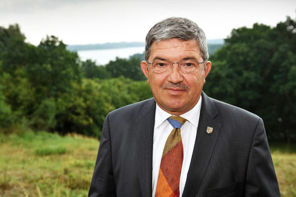 Lorenz Caffier (61) ist der Spitzenkandidat der CDU in der Landtagswahl in Mecklenburg-Vorpommern.