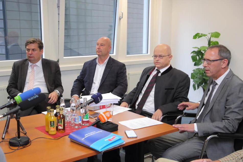 Die AfD ist mit ihrer Verfassungsbeschwerde vor dem Bundesverfassungsgericht in Karlsruhe gescheitert.