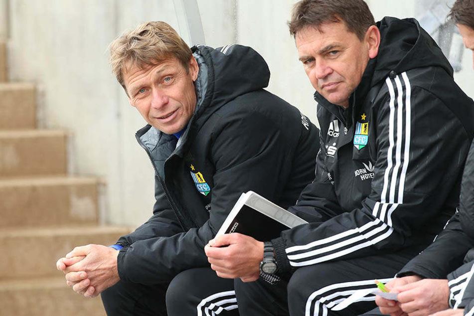 CFC-Chefcoach Sven Köhler (l.) und Assistent Ulf Melhorn konnten zufrieden sein, auch wenn es nur eine Pflichtaufgabe war.