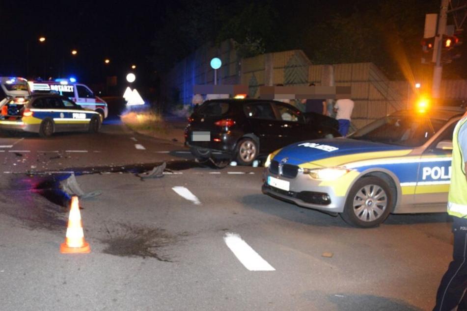 Die Polizei nahm den Unfall an der Kreuzung auf.