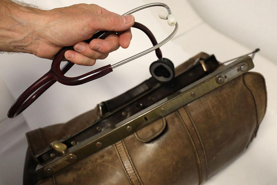Der Staat versucht das Landleben für Ärzte attraktiver zu machen. (Symbolbild)