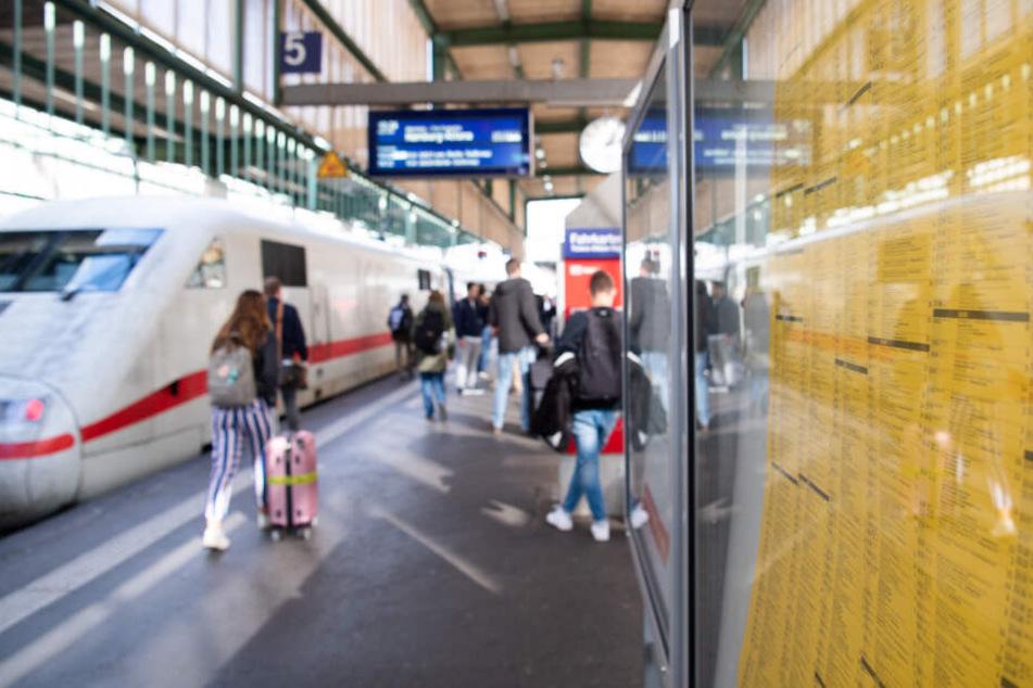 Bahnreisende brauchen zwischen Stuttgart (Foto) und Mannheim bald deutlich mehr Zeit.