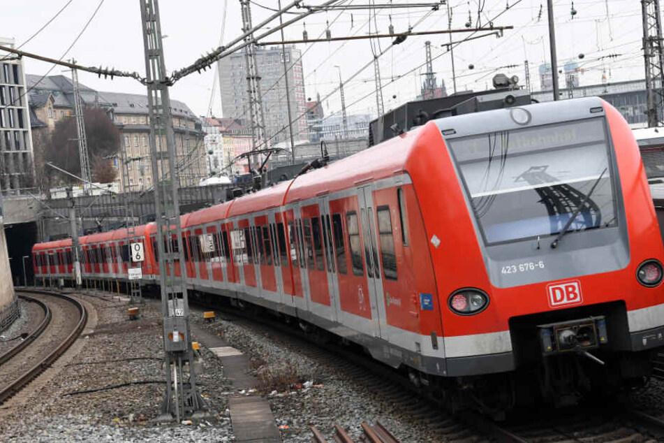 Mal wieder verkehren keine Züge übers Wochenende auf der Stammstrecke in München. (Symbolbild)
