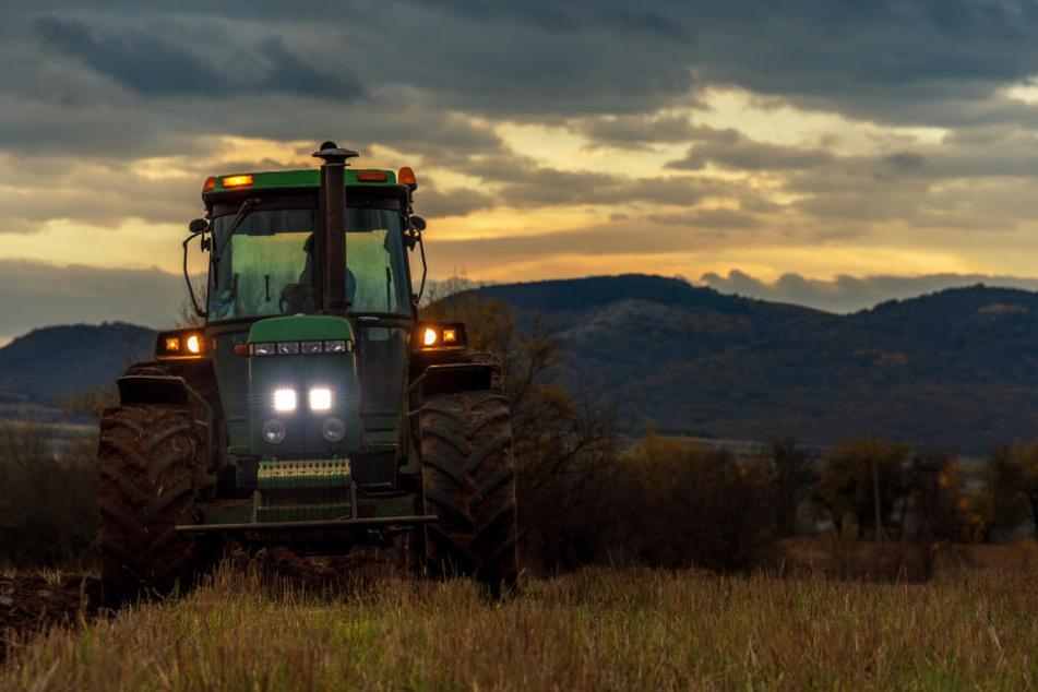 Ein Traktor war in Thüringen in einen Unfall verwickelt. (Symbolbild)